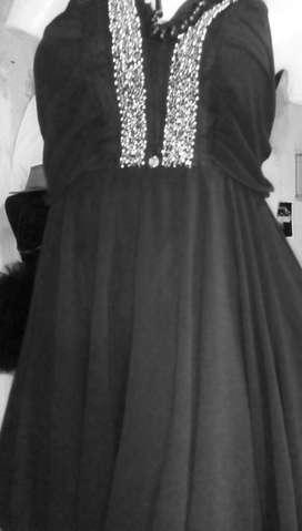 Vestido Negro Gasa con Canutillos Plata
