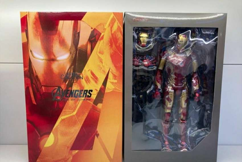 Cambio Figura IronMan articulable y con lyced