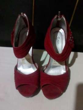 Zapatos en gamuza rojos 37