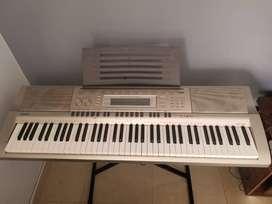 Piano eléctrico Casio WK200 - Usado
