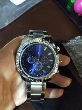 Vendo reloj Esika Caballero