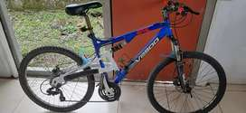 Bici downhill génesis shimano equipped