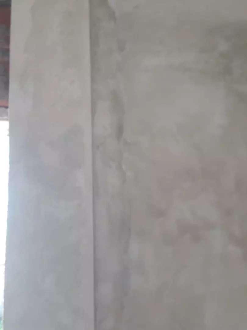 Buenas soy aficial albañil hago trabajos de albañileria,pintura,colocacion de ceramicos y aberturas,techos y losas 0