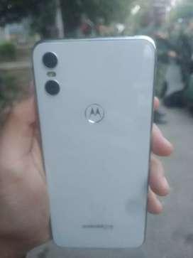 Motorola one (blanco)
