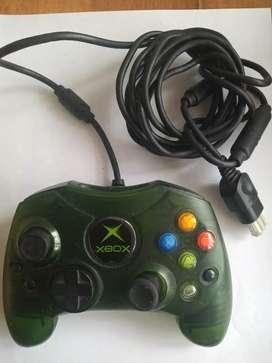 Control Xbox 360 edición especial.
