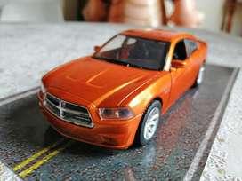 Dodge Charger R/T del 2006. Escala 1/32