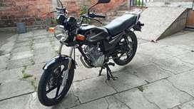 Se venden moto Yamaha Yb 125