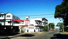 Amplio locales en calle 3 n 398 de Santa Teresita