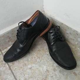 Zapatos Formales Bata (Usados) para Hombre