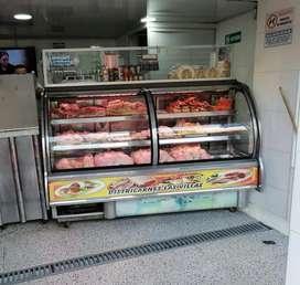 Linda Nevera para salsamentaria o carnes bajita 2 entrepaños