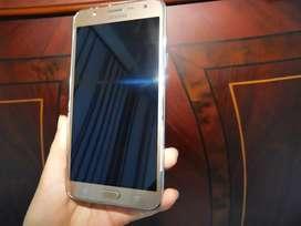 A la venta Samsung Galaxy J7(2016) Color Dorado, En buen estado