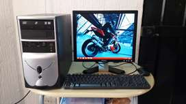 Computador de escritorio en buen estado