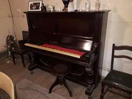 VENTA de PIANO de ORIGEN ALEMAN
