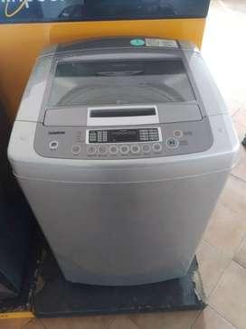 Lavadora marca lg 33 libras usada con garantía