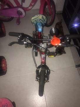 Se vende bicicleta niño  en muy buen estado