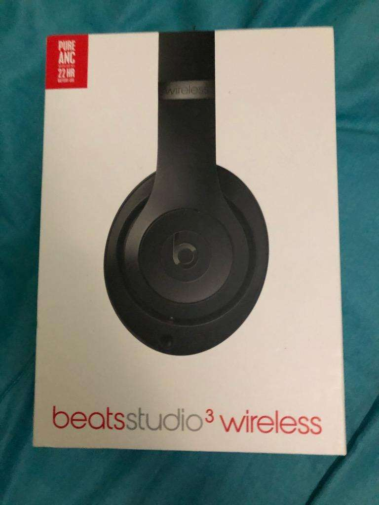 Beats Studio 3 Wireless 0