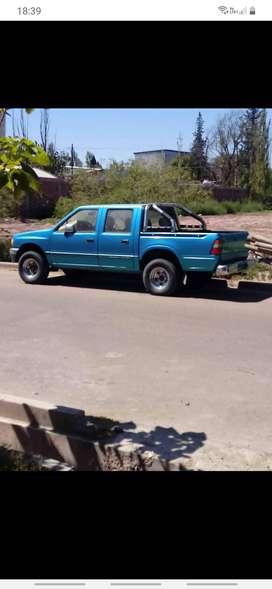 Chevrolet luv, vendo o permuto por utilitaria(precio charlable)