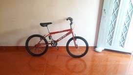 Vendo bicicleta modelo GW ELITE precio negociable
