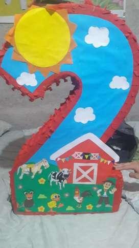 Piñata y bolsitas de la granja de zennon