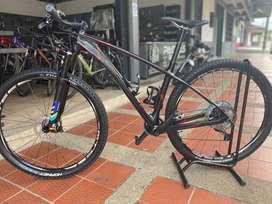 """Bicicleta gw shark en carbono rin 29"""""""