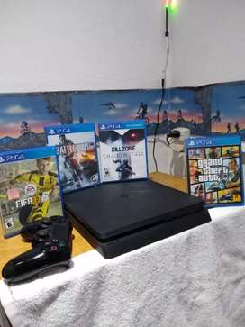 PlayStation4 Slim Jet Black 500gb en muy buen estado+ un joystick + 4 juegos incluidos, no permuto