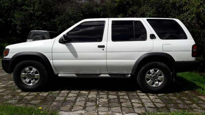 Nissan Pathfinder Se 0