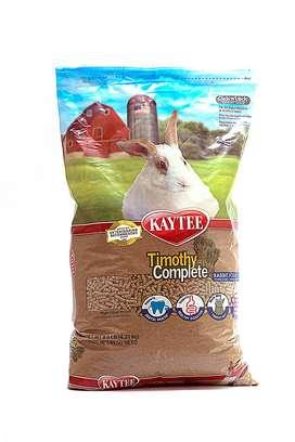 Concentrado importado Kaytee para conejos y cobayas.