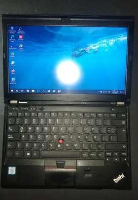 Lenovo Thinkpad X230 en excelente estado!  Bateria Nueva.