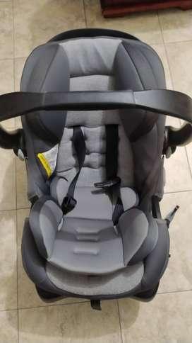 silla se auto para Bebe marca SAFETY 1st