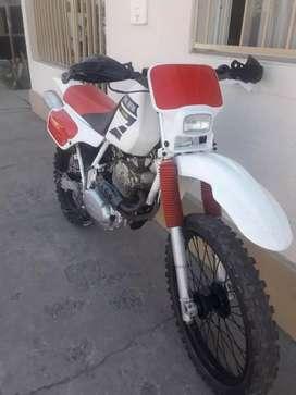 Vendo XR 250 Mod 93. Impecable
