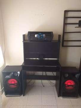 Se vende equipo de sonido excelente estado