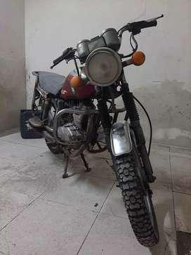 Vendo mi moto o la cambio por cualquier cosa de mi interes