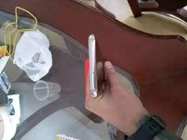 El gorilla glass está esta roto pero el celular sirve a su perfección  Samsung s8 plus