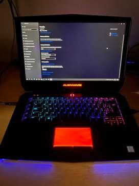 Notebook gamer Dell Alienware 15 R2. Permuto!