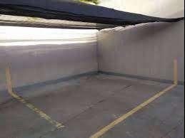 Cochera Lamadrid 814. techo mediasombra. solo auto