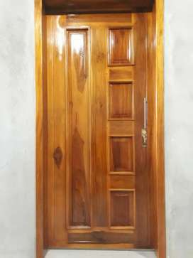 Fabrica de puertas 100% madera.
