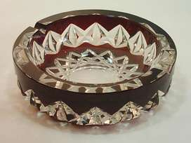 Antiguo Cenicero De Cristal color Borravino Tallado