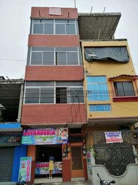 Edificio rentero en venta en Av. Chirijos milagro
