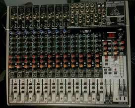 GANGA mixer Behringer Xenyx h2222 liquido !