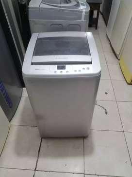 Lavadora 18 libras, Electrolux, buen funcionamiento