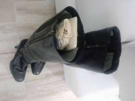 Botas marca Vélez - mujer talla 39. No uso. 100% cuero.