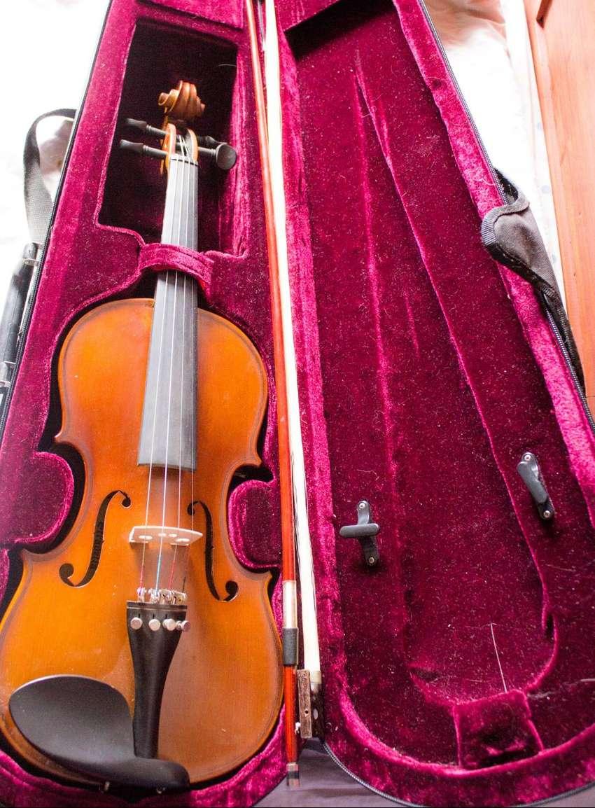 Violin marca Stradella 4/4 0