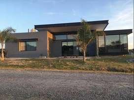 Casa en venta en barrio privado Santa candida
