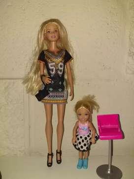 Muñecas y juguetes usados originales.