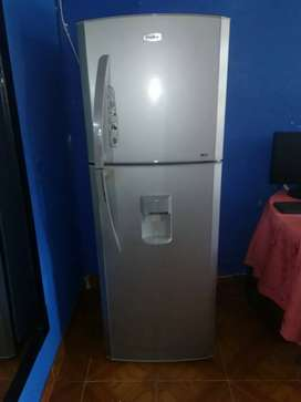 SE VENDE NEVERA NO FROST.