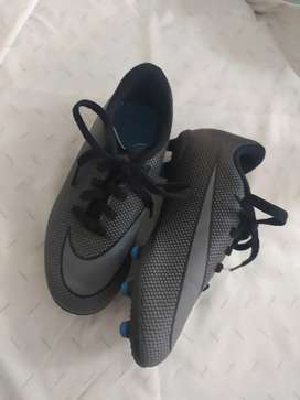 Guayos Nike niño