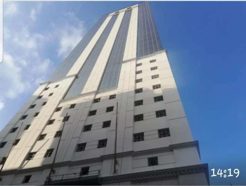 Venta de Oficina en  edificio inteligente de Guayauil, LA PREVISORA. Piso completo de 1.400 m2 con 5 parqueos cubiertos. 0