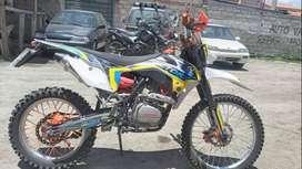 De venta..Moto factory ak 250cc