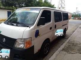Se vende buseta Nissan modelo 2012 full equipo en Bucaramanga Santander. PRECIO NEGOCIABLE