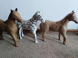 caballos papel mache